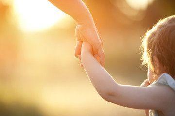 ¿Cómo motivar a tus hijos? Alentar VS Alabar